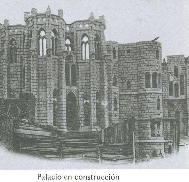 Palacio de Gaudí en Construcción